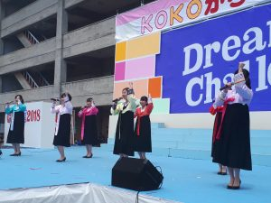 女学生による公演